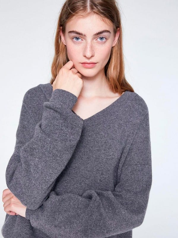 Gray sweater with bow-Femke