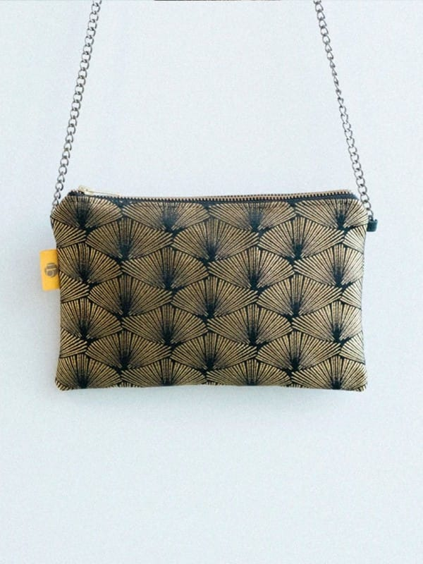 Vegan upcycled-Chain bag