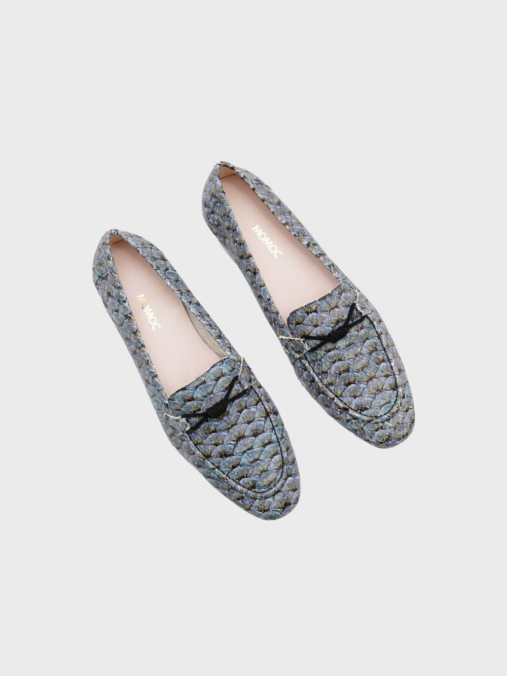 Ecological leather shoes and recycled materials-Saumon atlantique