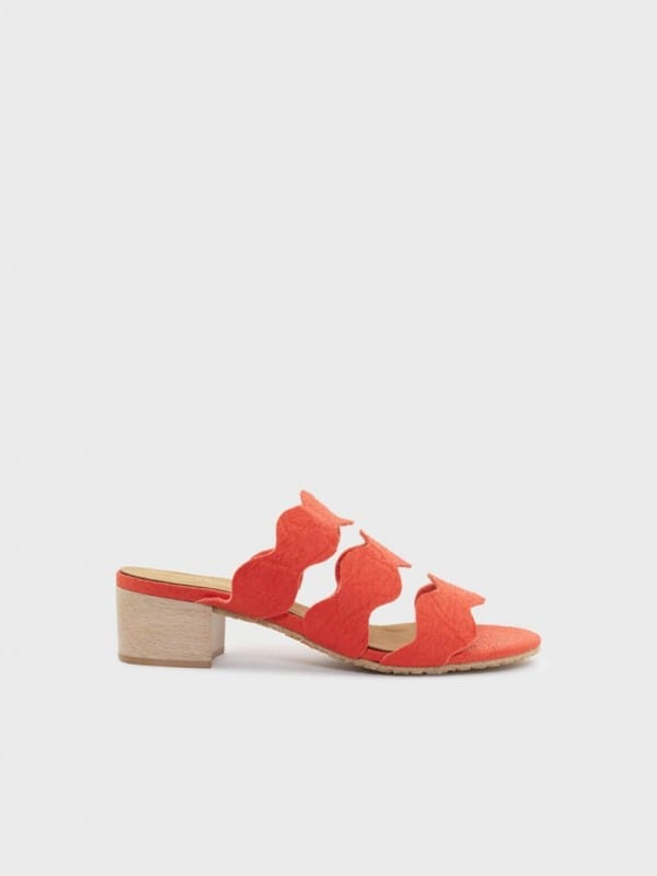 Vegan and sustainable shoes-Ananas
