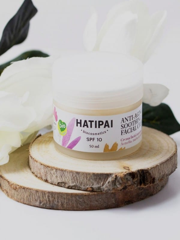 Soothing anti-aging facial cream