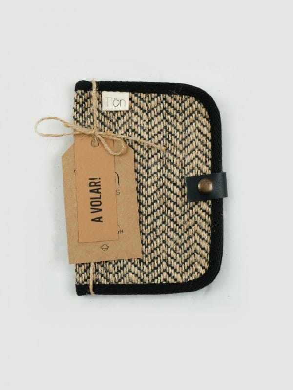 Wallet made with sustainable materials-Cassiopeia