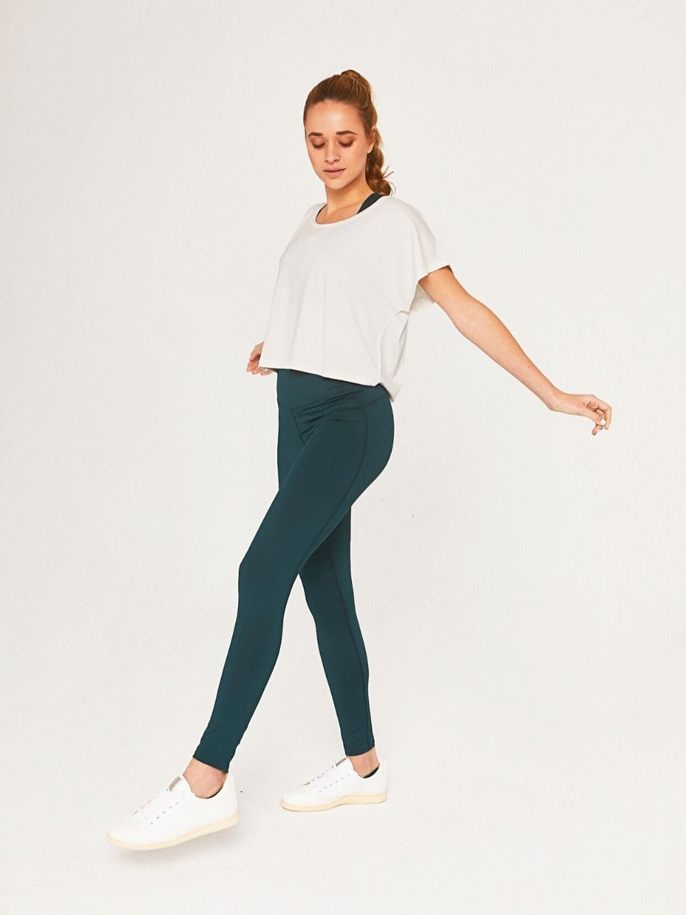Recycled polyester sports leggings-Nadia