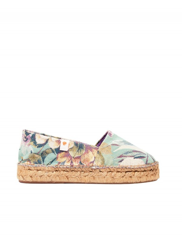 Sustainable printed espadrille locally produced